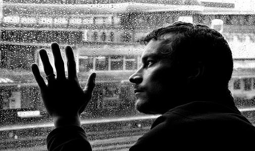 别让悲剧再发生!抑郁症防治知识一网打尽