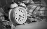 睡觉的科学 | 多篇研究提醒:睡多睡少都不好