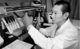 """韩春雨论文事件:撤稿验证科学界""""自净""""机制"""