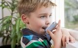 家里太干净反而不好?接触灰尘和过敏原可能会帮助宝宝远离哮喘病