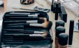 化妆品使用需谨慎!研究称常用成分会导致激素水平失调