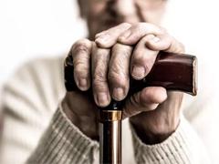 治疗阿兹海默病,我们还应该做些什么?