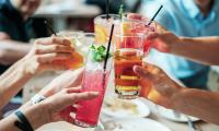 BMJ连发2篇:每天喝100毫升含糖饮料,增加患癌概率18%