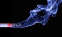 22年中国人群随访揭示:吸烟可使胃癌死亡风险翻倍,长期吃大蒜可起到预防作用