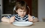 """饿的时候为何容易生气?科普:导致""""饿怒""""的两个决定因素"""