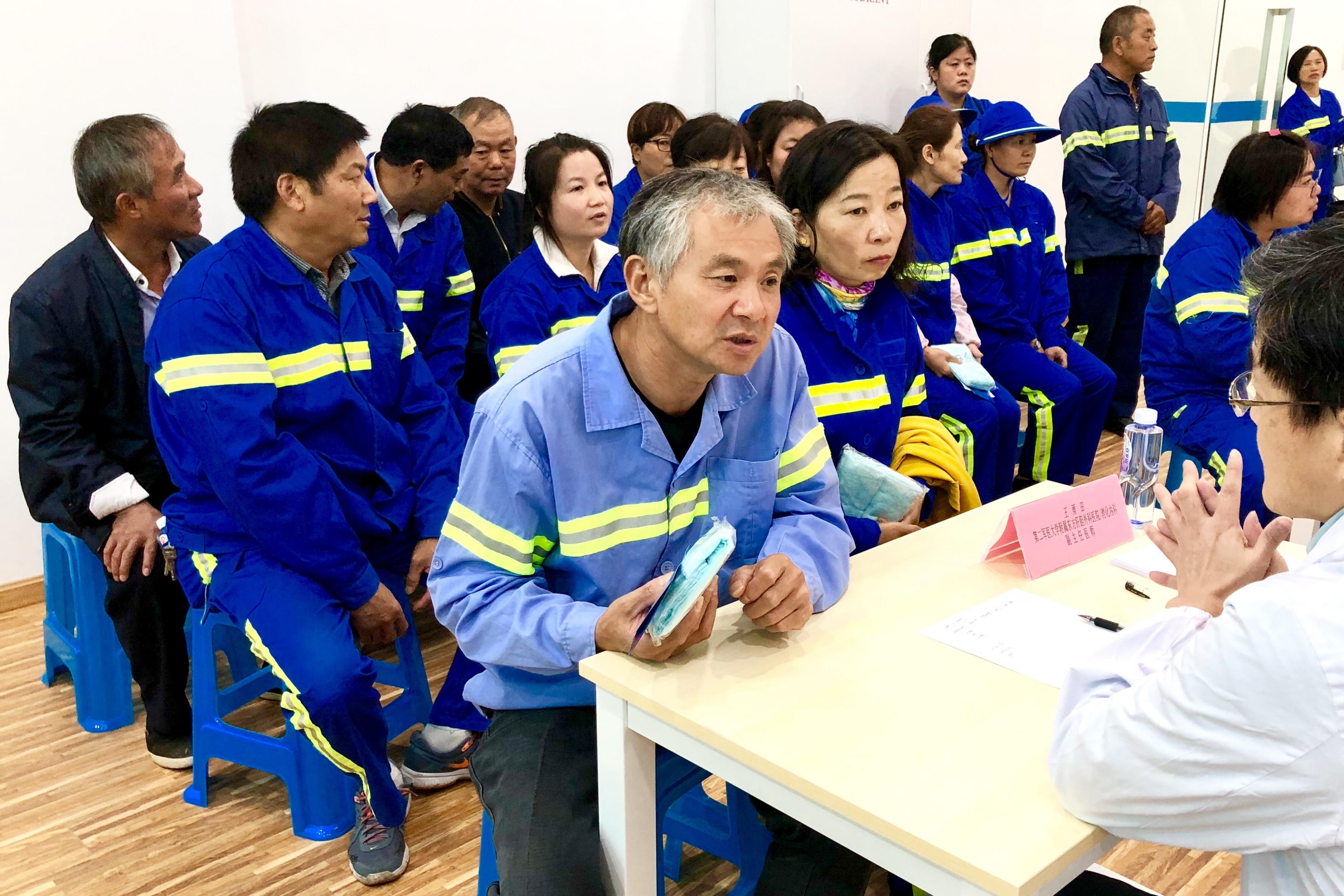 志愿服务助健康  义诊活动暖人心