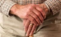 """""""重返""""年轻有望!新研究发现:稀释血浆便能逆转衰老,恢复组织生机"""