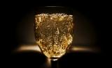 喝酒伤脑?最新研究揭示:酒精或可增加阿尔兹海默症风险