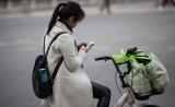 加拿大研究:手机不离手实际是对社交互动上瘾