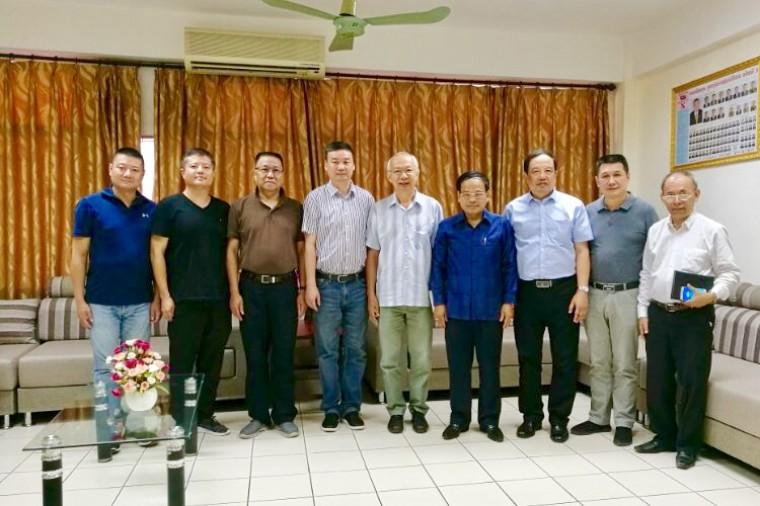 西部医学科技集团董事长吴亚剑一行赴老挝国家友谊医院参观考察