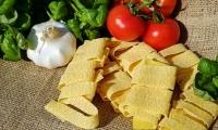 Nature子刊:想要健康减肥,首选低脂高碳水饮食,还是高脂低碳水饮食?