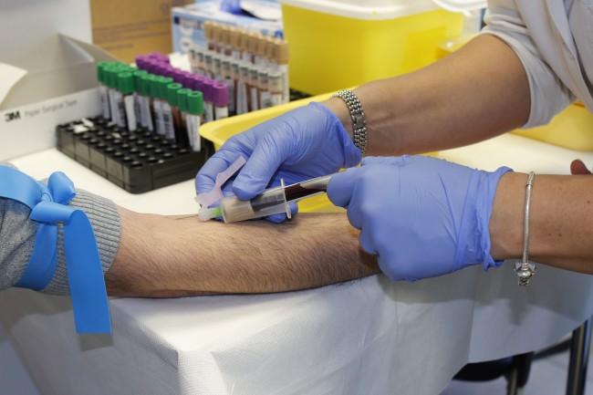 年轻的血液可抗衰老?FDA发文警告未被证明安全、有效