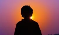 是救赎还是毁灭?美企突围阿片危机,买单的为何是印度?
