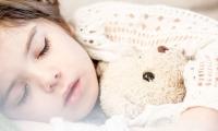 Science子刊:我们为什么要睡觉?定量分析揭示了成长过程中睡眠的功能转变!
