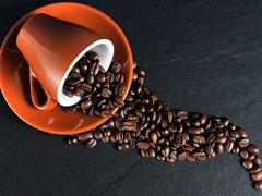 研究显示咖啡能促进肠蠕动并抑制细菌,但与咖啡因无关