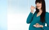 """孕妇高脂肪饮食""""危害""""再次被证实:改变后代大脑发育,导致精神健康问题"""