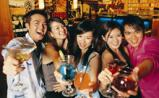 青少年喝软饮料可能诱发饮酒行为