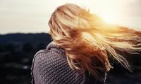 Nature最新研究解决生物难题:压力如何导致白发?