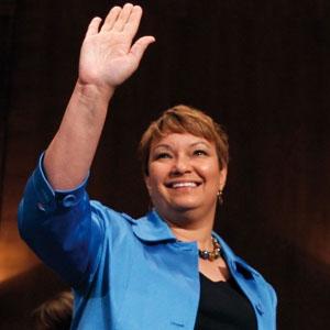 Lisa Jackson,美国环保局局长,因污染管理问题备受攻击。