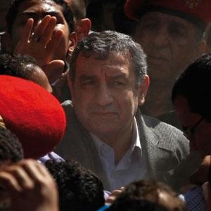 Essam Sharaf,埃及工程师,在今年埃及抗议运动中积极呼吁发展科学。
