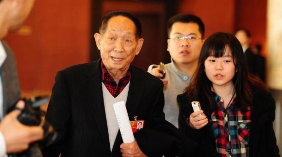 袁隆平:转基因或影响生育 人民不是小白鼠