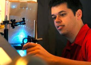 Nature: 新技术寻求低成本的纳米装置
