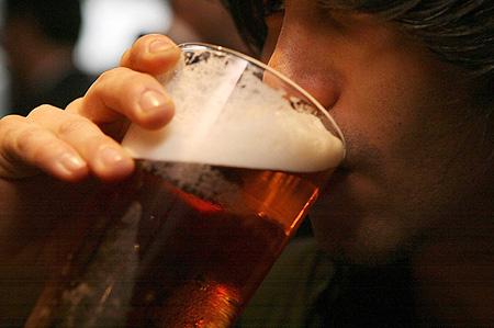 美研究发现长期饮用无糖饮料发福速度更快